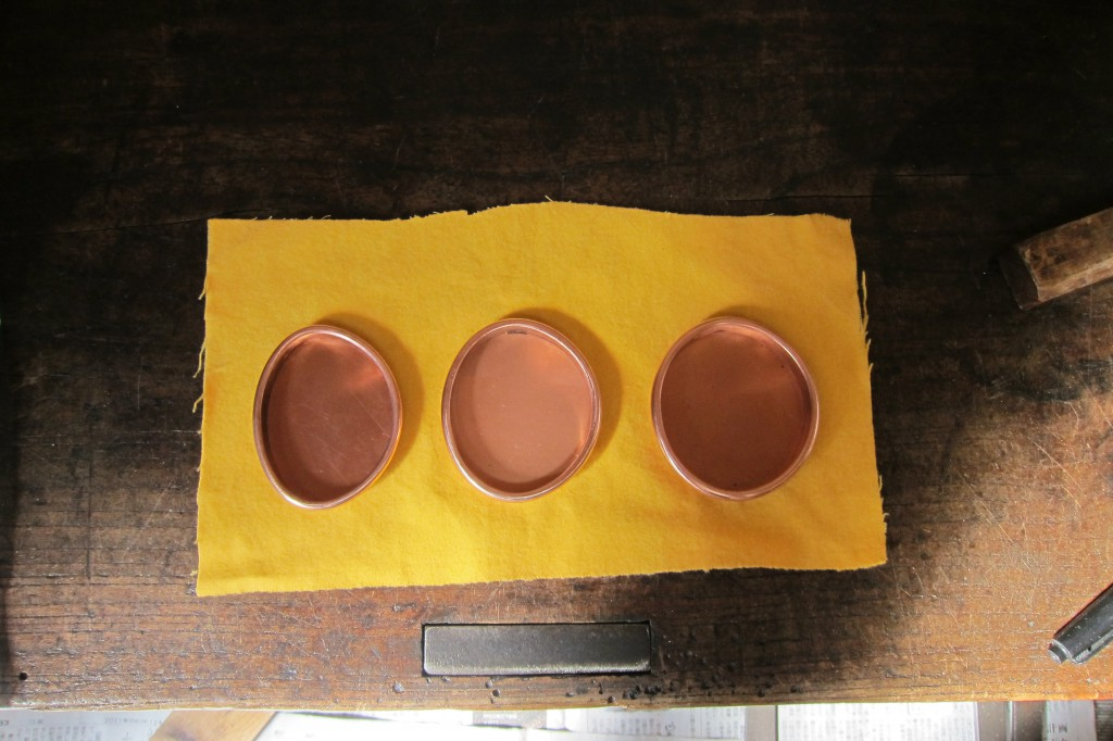 銅の襖引手制作行程7
